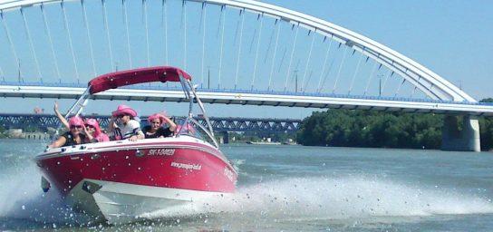 Bratislava tour aboard a motor boat