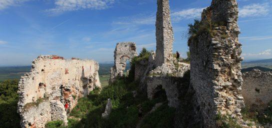 Ausflug zu Burgruinen im Karpatengebirge