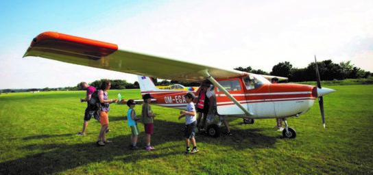 Sightseeing sport plane flights