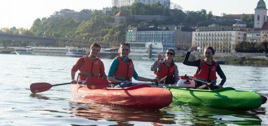 Splav Bratislavou na kanoe